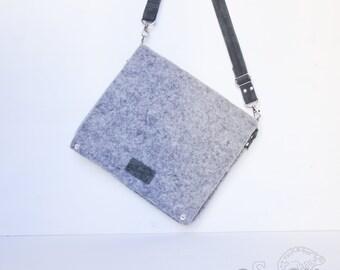 Felted bag Gray bag Messenger bag Flat bag Wool bag Felted messenger bag Crossbody bag