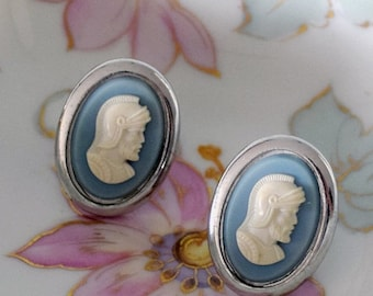 Memorial Day Sale Swank Gentlemen's Knight Cameo Cuff Links Wedgewood Blue and White on Silvertone