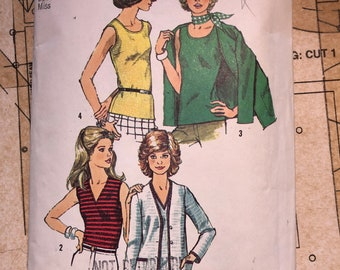Vintage Knit Tank Top Sewing Pattern Simplicity 5584 S5584 Womens Twin Set Pattern Size 16 V Neck Rounded Neck Sleeveless 70s 1970s Stretch