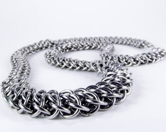 Stainless Steel - Chainmaille Necklace - Graduated GSG Pattern