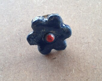 Ring cabochon flower, blue and Red raku pottery