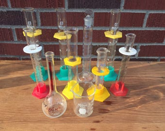 Collection of 10 Vintage Lab Glassware / Pyrex beaker graduated cylinder / Science Laboratory glass