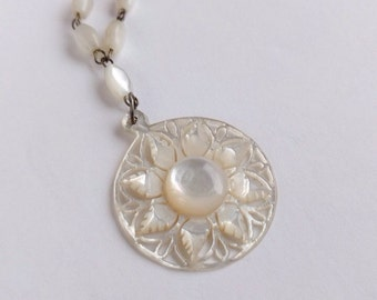 Wonderful c1940 Carved Mother of Pearl Necklace