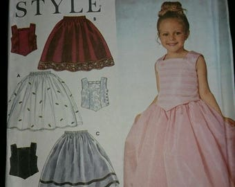 Simplicity 9457 Child's Top and Skirt  Pattern  Size 3-4-5-6-7-8    New-Uncut