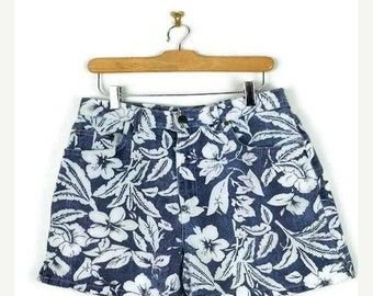 ON SALE Vintage  Navy x Hibiscus  printed  High waist Denim Shorts from 1980's/W30*
