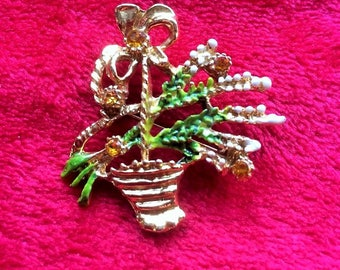Scottish gold basket with heather and amber rhinestone brooch