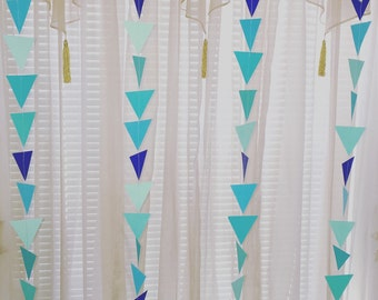 Triangle garland in blue hues