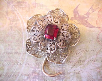 Beautiful Brass Filigree Vintage Brooch with Faceted Crimson Glass Stone