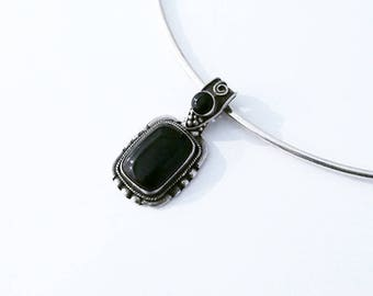 925 Silver sterling ornement pendant and Onyx stone