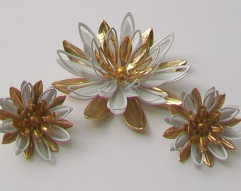 Stunning SARAH COVENTRY Large Layered Flower Petal Vintage Brooch & Clip On Earrings Set