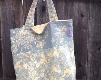 Reversible Tote with matching Zipper Pouch