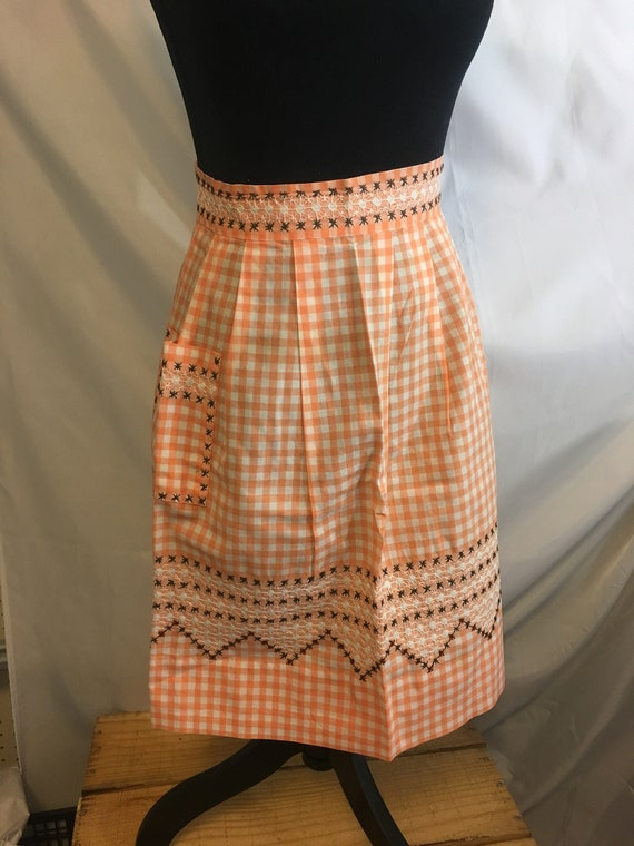 Vintage from early to mid century handmade half apron, vintage gingham apron, handmade gingham apron, vintage never been used apron, decor