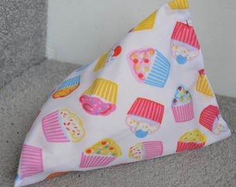 iPhone Beanie / Samsung Stand / Android Pillow / Smart Phone Cover - Cupcake