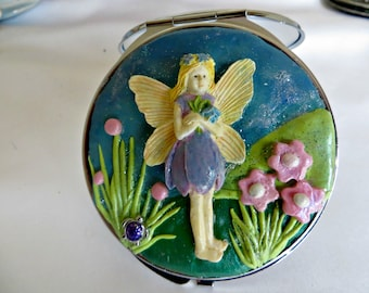 Compact mirrors_Fairy Compact mirror_hand and pocket mirrors_beauty accessory