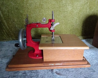 miniature sewing machine and case
