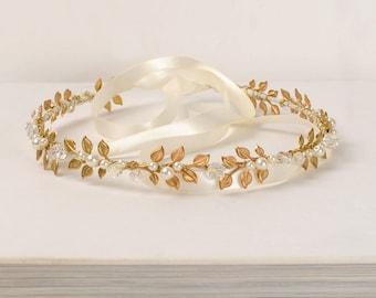 Goddess Halo Gold Leaf Tiara Wedding Headband Pearl and Crystal Hair Piece Athena Headpiece Romantic Bridal Hair Accessory Hair Jewelry