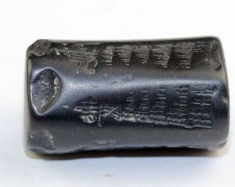 Rare Hemaetite Cylinder seal of the 1st. dynasty of Babylon!