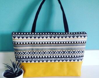 Great ethnic pattern Crossbody bag