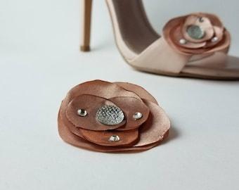 Misty Rose Shoe Clips