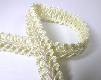 Ivory 1/2 inch Raised Heavy Gimp Decorator or Upholstery Trim