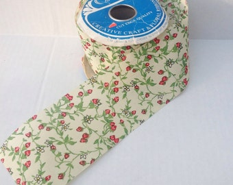 Vintage yellow floral flowers strawberry ribbon. Sewing. Notions. Vintage ribbon. 1 yard. Crafting. Sewing.