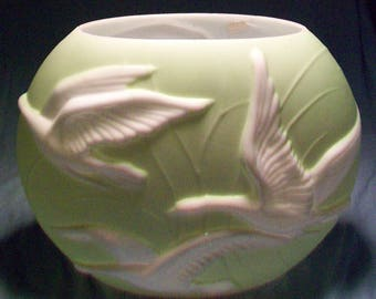 Phoenix Art Glass Flying Geese Vase