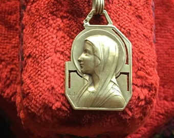 18K Gold Blessed Mother Virgin  Mary Medal Necklace Vintage Catholic Spanish Engraved Jewelry Religious Jewelry Virgin Mary Gift