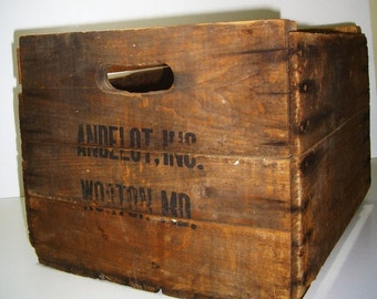 Vintage Wood Crate Box / Andelot Orchard