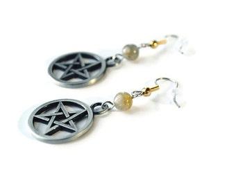 Gothic Witchy Halloween earrings : gunmetal pentagram and labradorite gemstone