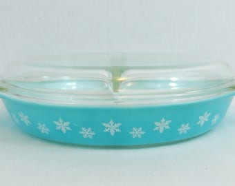Vintage Pyrex Turquoise Snowflake Divided 1 1/2 Quart Baking Casserole Dish With Lid 945