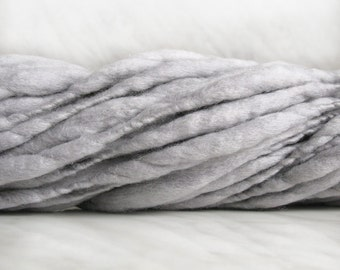Thick and Thin slub wool yarn TTY light gray 3 1/2 oz 30 yards  18µ handspun art yarn newborn photo blanket