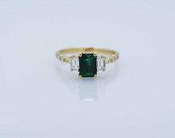 1.00ct. Emerald & Diamond Estate Engagement Ring 18k Yellow Gold - J36674