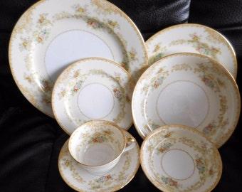 Noritake china 88 PC Dinnerware Set Circa; 1933-1940