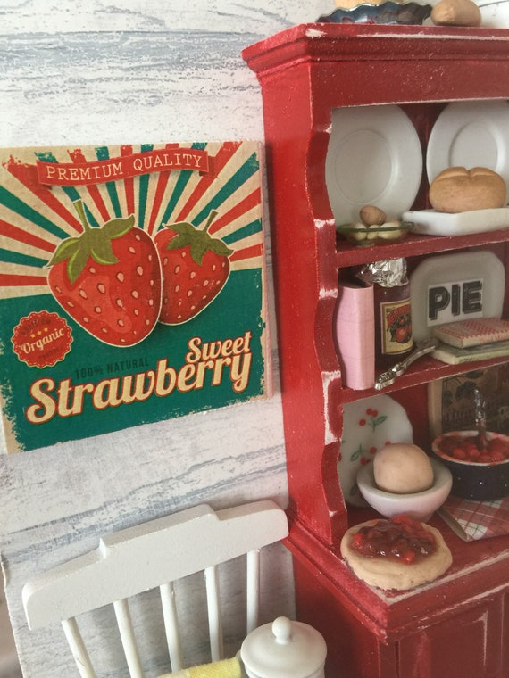 """Vintage Strawberry Graphic canvas Sign 2""""x2"""""""