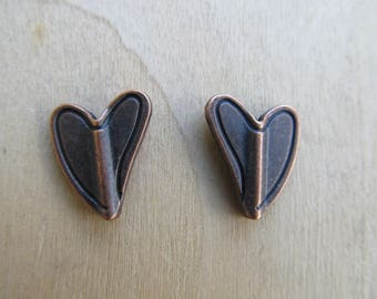 Set of 2 beads de15x12mm colored metal heart shaped copper.