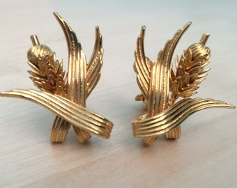 Vintage Cattail Earrings bright gold tone ~ Gladys had her eye on Warren. Moddities