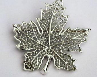 VINTAGE Silver Filigree Sarah Coventry Maple Leaf Pin Brooch - Designer Signed Brooch