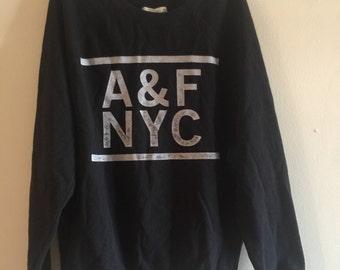 Women's Black Pullover Sweatshirt