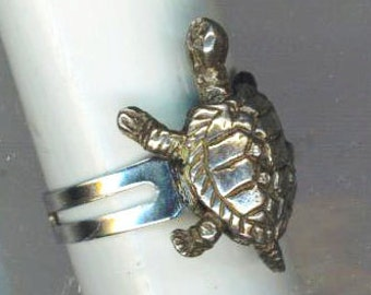 Oxidized Silver Turtle Ring. Vintage Turtle . Steampunk Steam punk. Stamping Ring . Statement Ring  -  Happy Turtle by enchantedbeas on Etsy