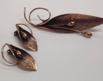 Vintage Renoir Copper Elongated Lily Brooch & Clip on Earrings