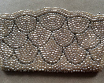 1950s Pearl beaded evening purse with lining, looks great and classy