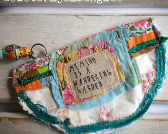 Upcycled Womens Purse, Vintage Doily, Upcycled Zip Pouch, Assemblage Purse, Zip Pouch, Coin Purse