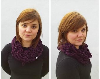 Plum scarf, tshirt scarf, tshirt yarn, tshirt cowl, cotton scarf, purple cowl, infinity scarf, summer cowl, knit cowl, knit infinity scarf