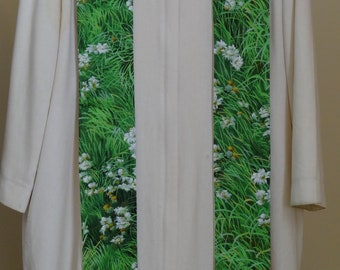 Clergy Stole: Daisies in the Grass