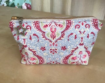 Cosmetic zipper pouch - floral