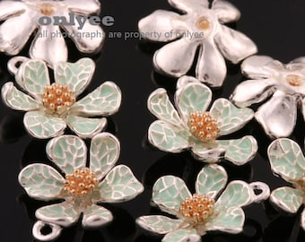 4Pcs -15mmX13mm Silver Plated over Brass Daisy with Enamel Charms Pendant-L.Green(K643S-D)