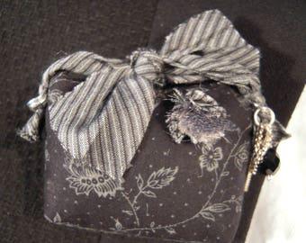 PIN fabric jewelry, accessory purse woman
