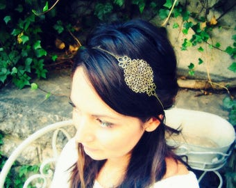 "Metal lace headband ""Virginia"", chain and prints"