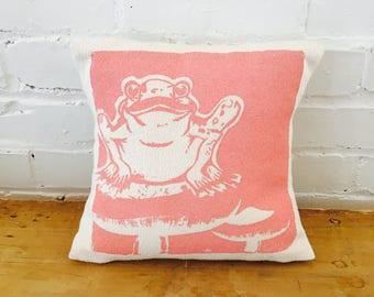 Froggie 10in Kiddo Pillows in Pink