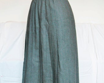 Vintage gray pleated wool skirt - below the knee - high waist - size SMALL - The Villager petites